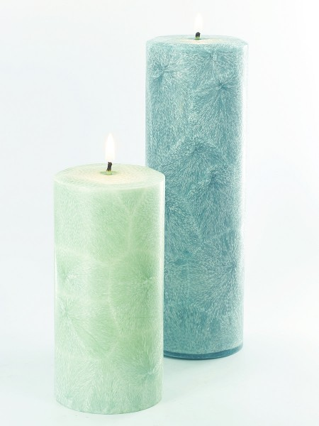 Learn how to make palm wax pillar candles.