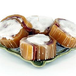 Cinnamon Roll Candles