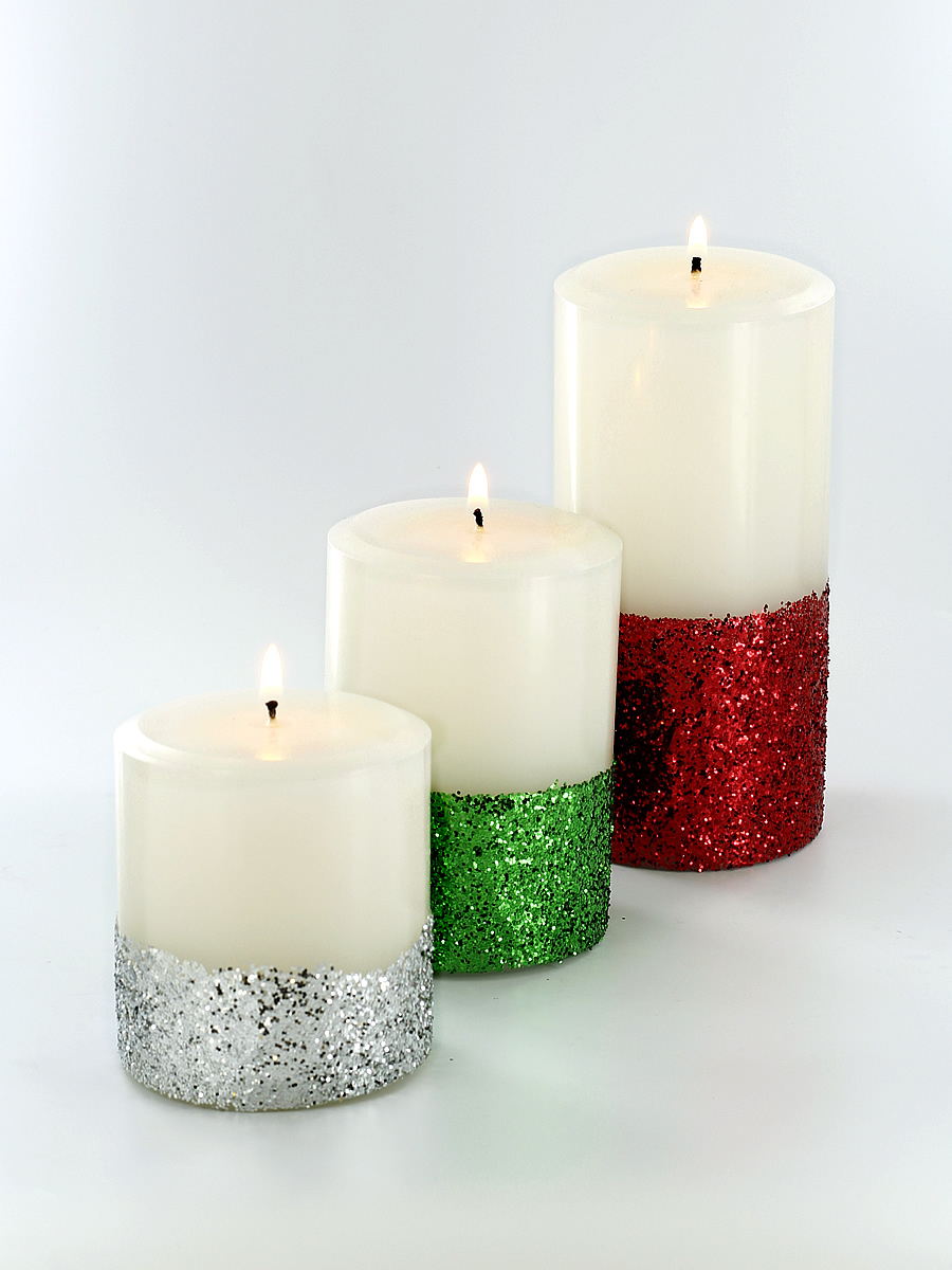 Learn how easy it is to make gorgeous holiday glitter pillar candles!