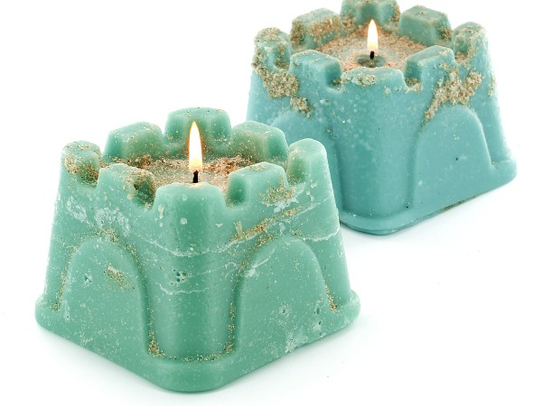 These cute sand castle candles make a great summertime activity!