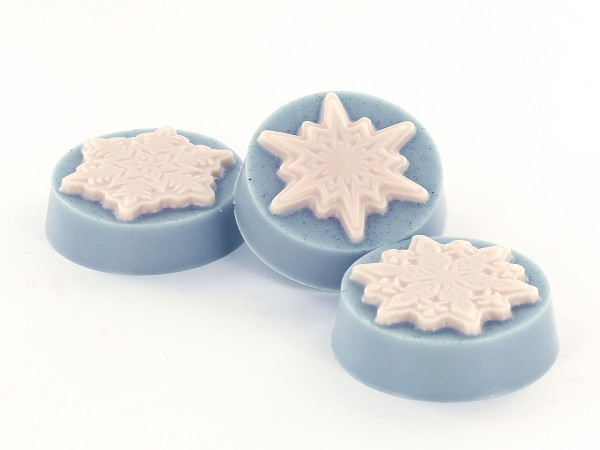 These beautiful snowflake soaps will put a chill in the air this winter!